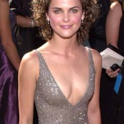 Keri Russell Bra Size is 32B