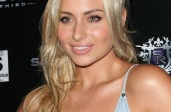 Alyson Michalka Bra Size is 34C