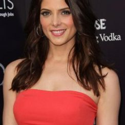 Ashley Greene bra size 34B