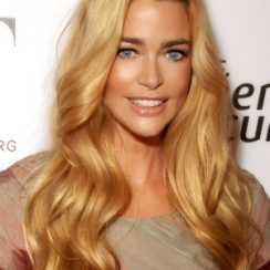 Denise Richards Body Measurements Bra Size 37-24-34