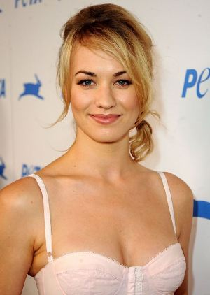 Yvonne Strahovski Measurements are 34-24-34