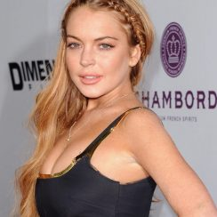 Lindsay Lohan height 165cm and bra size 32D