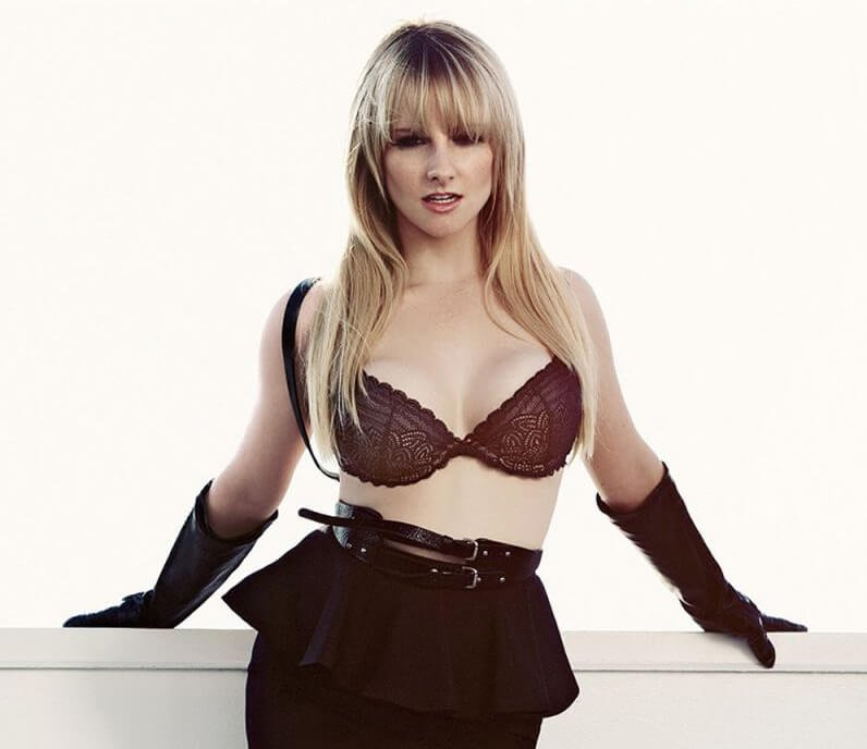 Melissa Rauch bra size and measurements